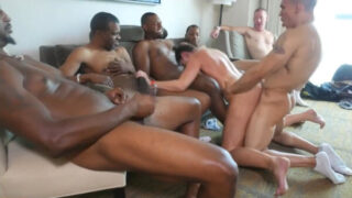 Hotwife in interracial cuckold gangbang